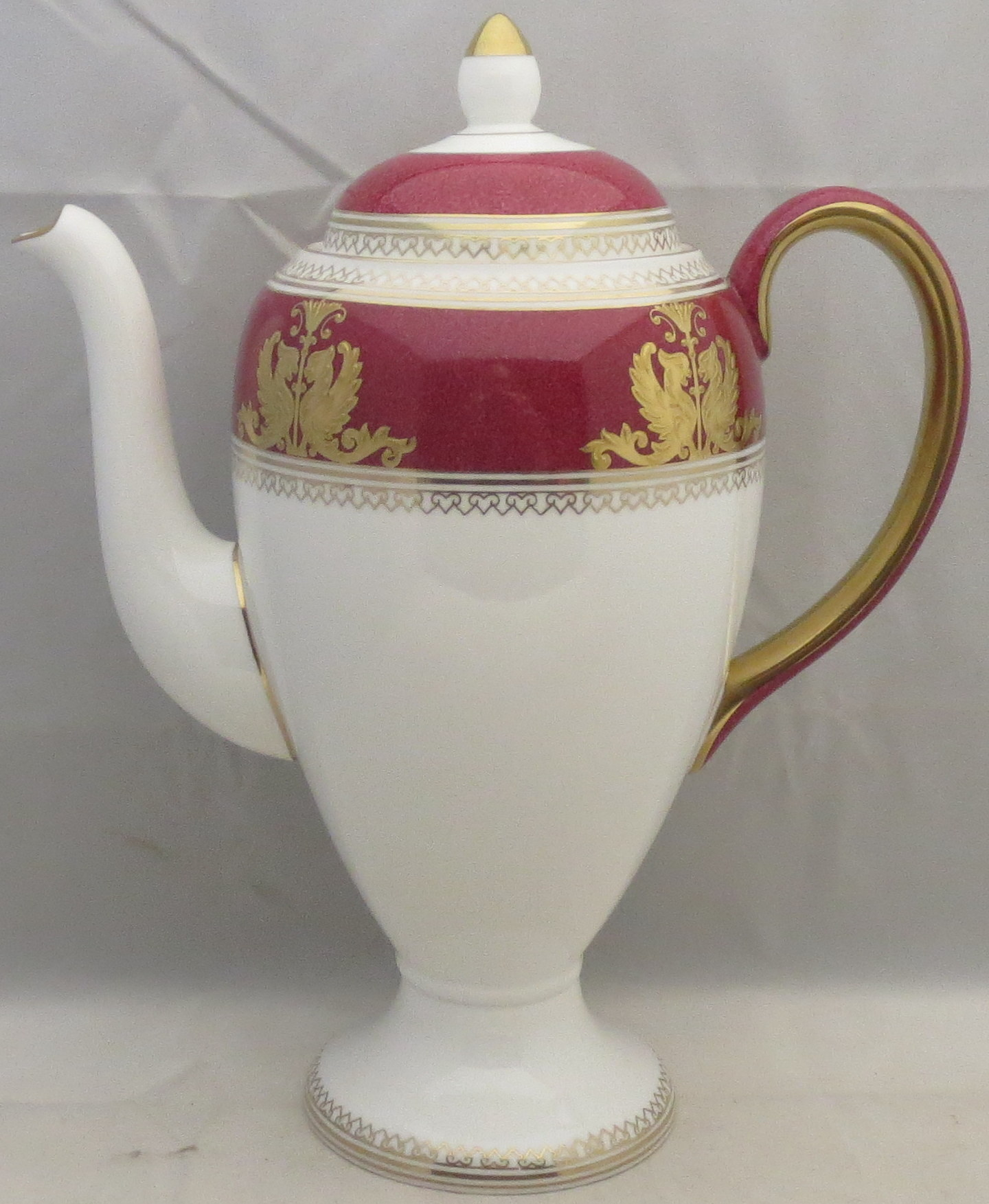 Wedgwood Baby Gifts Uk : Wedgwood columbia powder ruby rim and center coffee pot