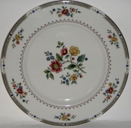 s Royal Doulton Kingswood TC1115 Dinner Plate
